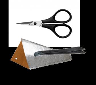 Stickschere Premium im Papieretui silber