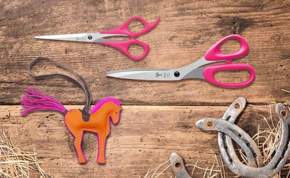Pferde-Set mit Pferdeanhänger